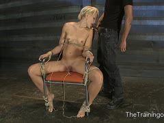 sklavin nackt vorgeführt
